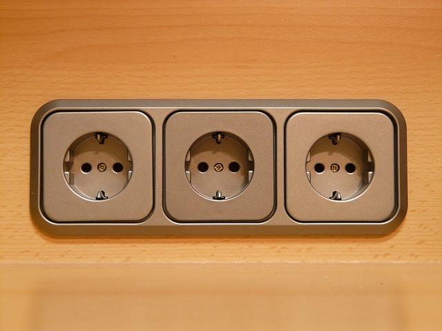 tři zásuvky.jpg