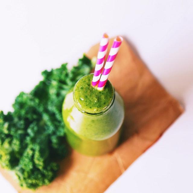 zelené smoothie, sklenice